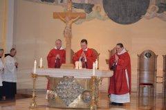 9-der-gekreuzigte-auf-dem-altar-DSC_0184.jpg